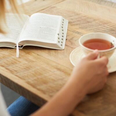 """Having a quiet time with the Lord every day is absolutely essential if you expect to grow spiritually. But you have to plan it. It won't """"just happen."""" @mferrell"""
