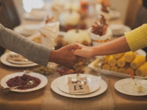 Simple Ideas to Celebrate a Christ-Focused Thanksgiving with Your Family & Friends @mferrell
